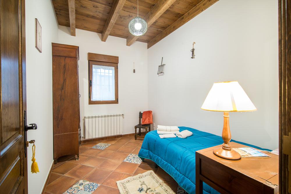 dormitorio-el_peregrino_las_abubillas